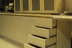 Kehtenel-puit-köögimööbel (11)