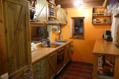 Kehtenel-puit-köögimööbel (5.1)