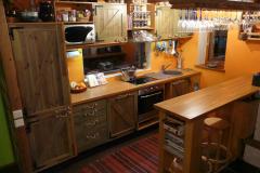 Kehtenel-puit-köögimööbel (5)