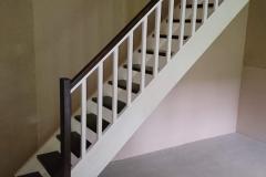 Kehtenel-puit-trepp-sirge trepp