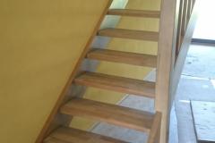 Kehtenel-puit-trepp-sirge
