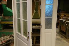 Kehtenel-puit-kahepoole uks-täispuituks
