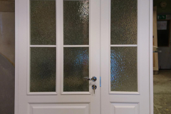 Kehtenel-puit-kahepoolne uks-täispuituks