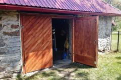 Kehtenel-puit-täispuit-uks-garaaživäravad (4)