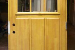 Kehtenel-puit-täispuit-uks