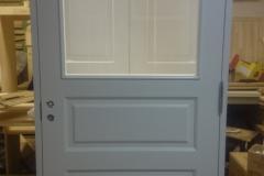 Kehtenel-puit-tahveluks-klaasiga uks (2)