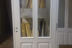 Kehtenel-puit-tahveluks-klaasiga uks